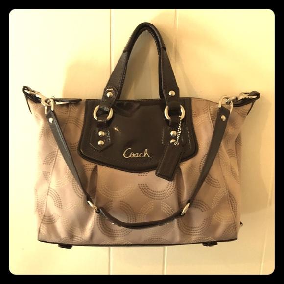 🔸Coach🔸Ashley brown op art dotted satchel